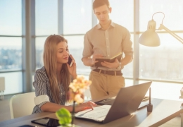 3 Obvious Signs it's Time to Hire an Assistant